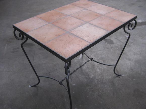 Tavoli pietra tavoli e tavolini in ferro arte e stile - Tavoli e tavolini ...