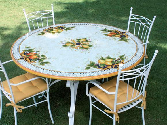 Tavoli Da Giardino Pietra Lavica.Piani In Pietra Lavica Tondi Piani Per Basi Da Esterno Arte E Stile
