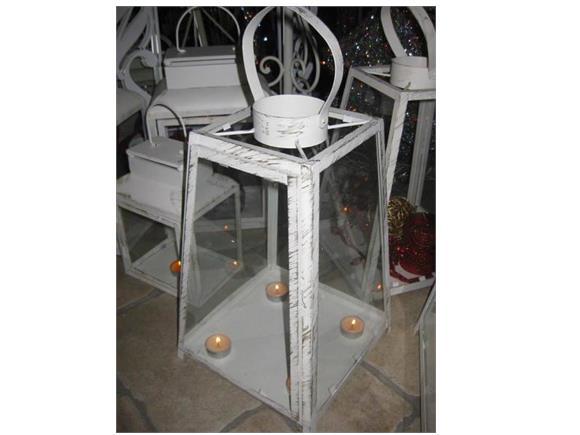 Lanterne piramide lanterne e lucerne in ferro e legno for Lanterne da interno