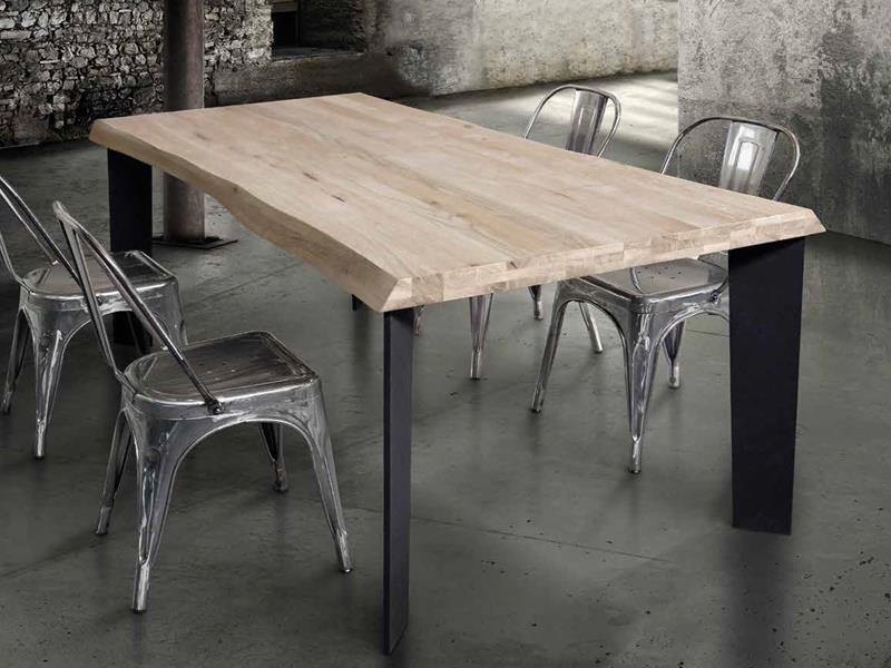 Tavoli in legno massello Bologna