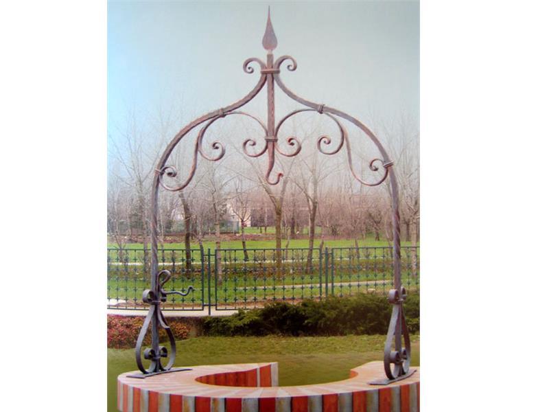 Archi per pozzi complementi arredo arte e stile for Complementi d arredo ferro battuto