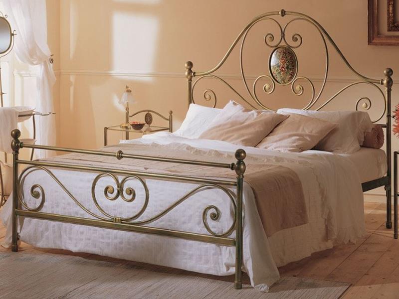 Letto iris matrimoniale letti in ferro battuto arte e stile - Pediera del letto ...