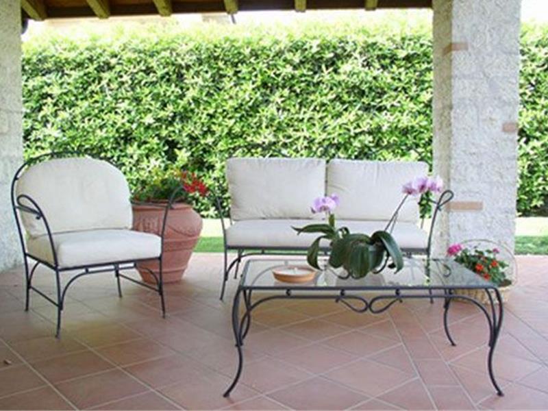 Set da giardino panarea tavoli e sedie da esterno arte for Arredo giardino in ferro