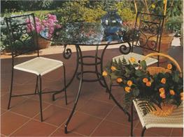 Tavoli Da Terrazzo In Ferro : Tavoli e sedie da esterno in ferro battuto arte stile